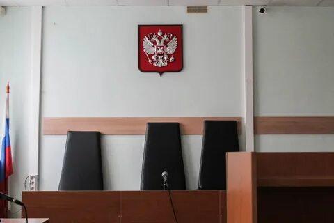 Ограничения в работе судов продолжаются