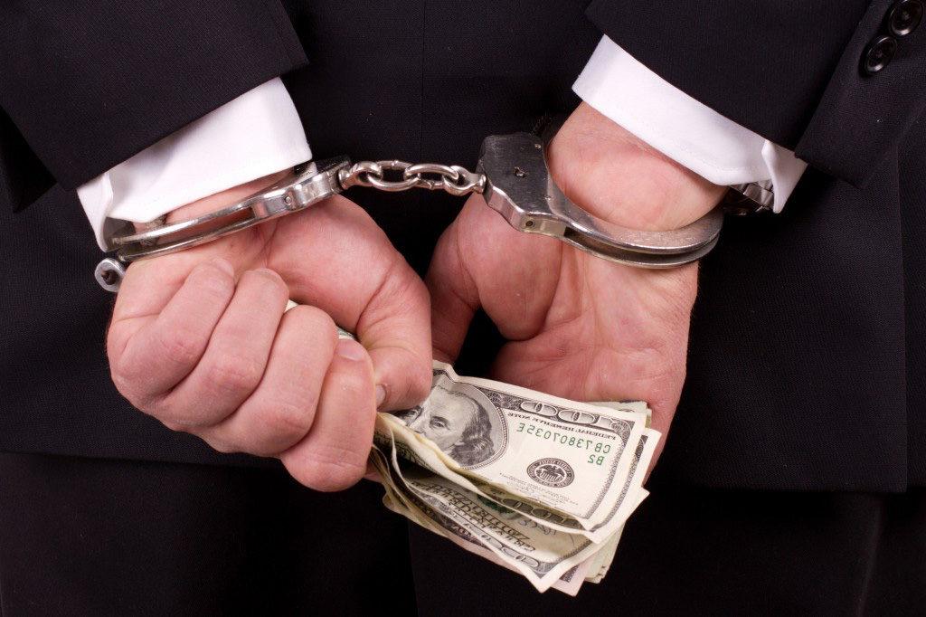 Переквалификация преступления по делу о взятке